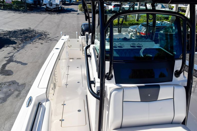 Thumbnail 103 for Used 2018 Wellcraft Scarab 302 Center Console boat for sale in West Palm Beach, FL