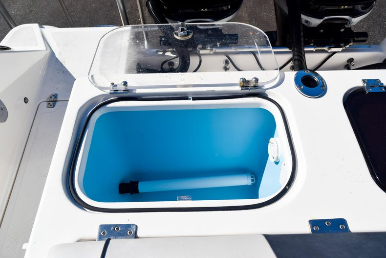 Thumbnail 18 for Used 2018 Wellcraft Scarab 302 Center Console boat for sale in West Palm Beach, FL