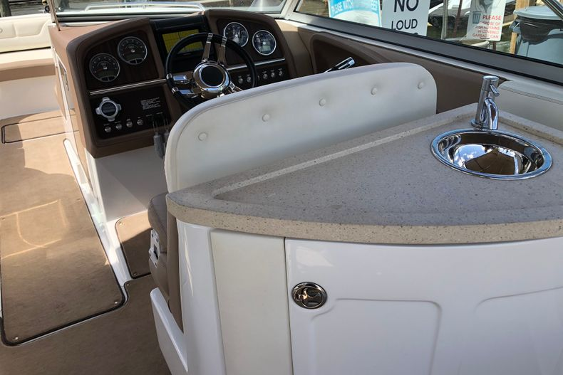 Thumbnail 11 for Used 2013 Cobalt 296 boat for sale in Miami, FL