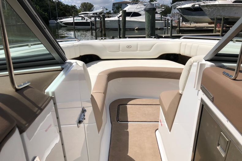 Thumbnail 17 for Used 2013 Cobalt 296 boat for sale in Miami, FL