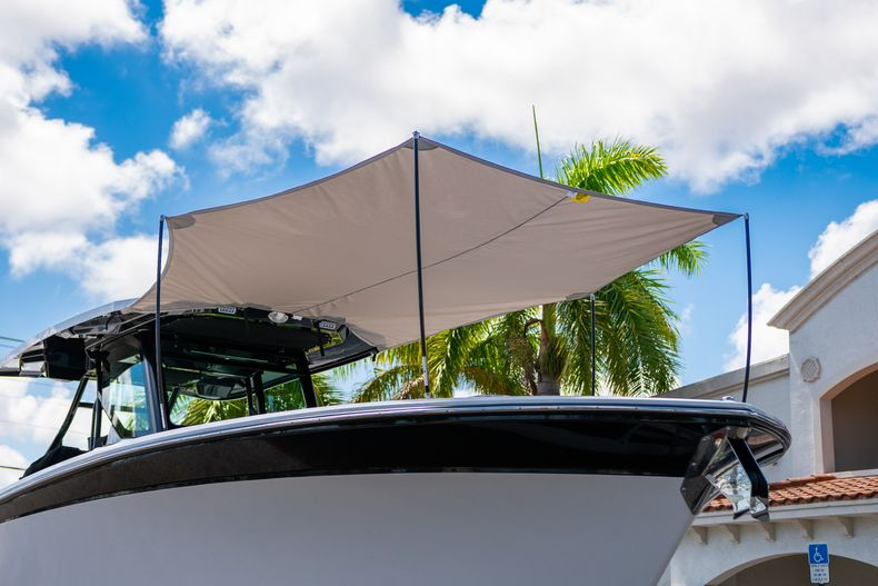 Thumbnail 69 for New 2020 Blackfin 332CC boat for sale in West Palm Beach, FL