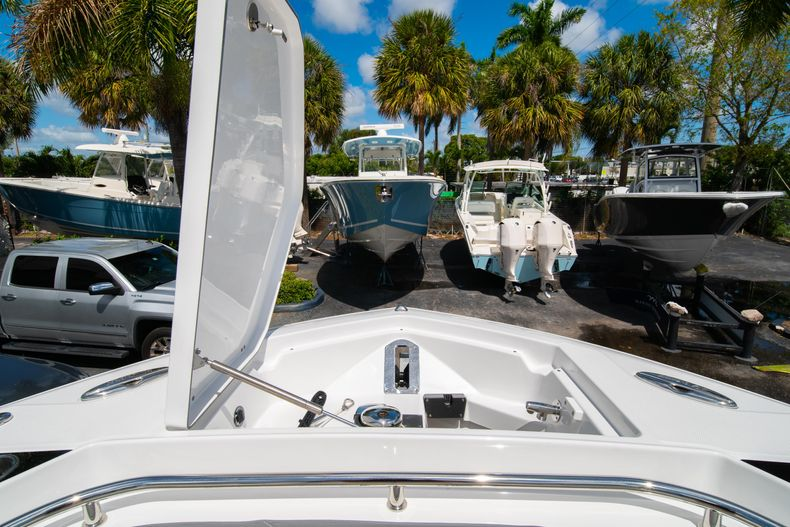 Thumbnail 63 for New 2020 Blackfin 332CC boat for sale in West Palm Beach, FL