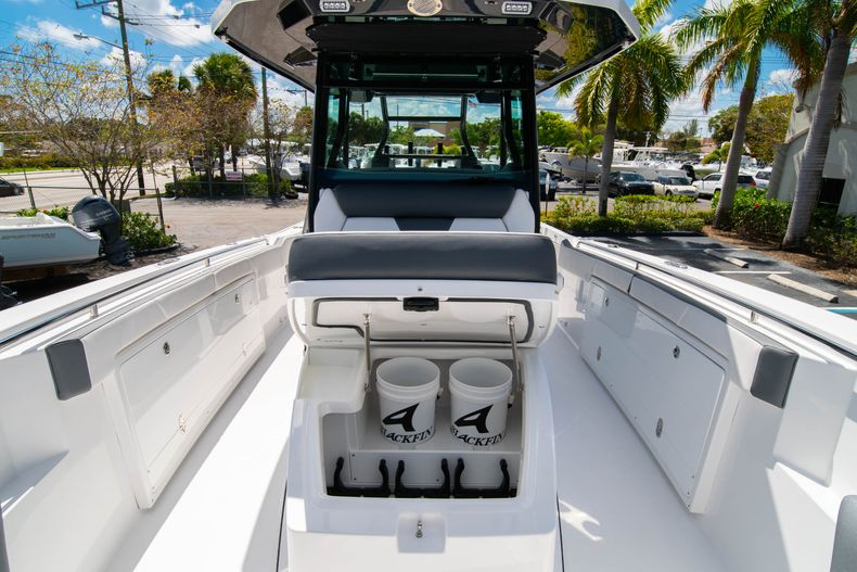 Thumbnail 65 for New 2020 Blackfin 332CC boat for sale in West Palm Beach, FL