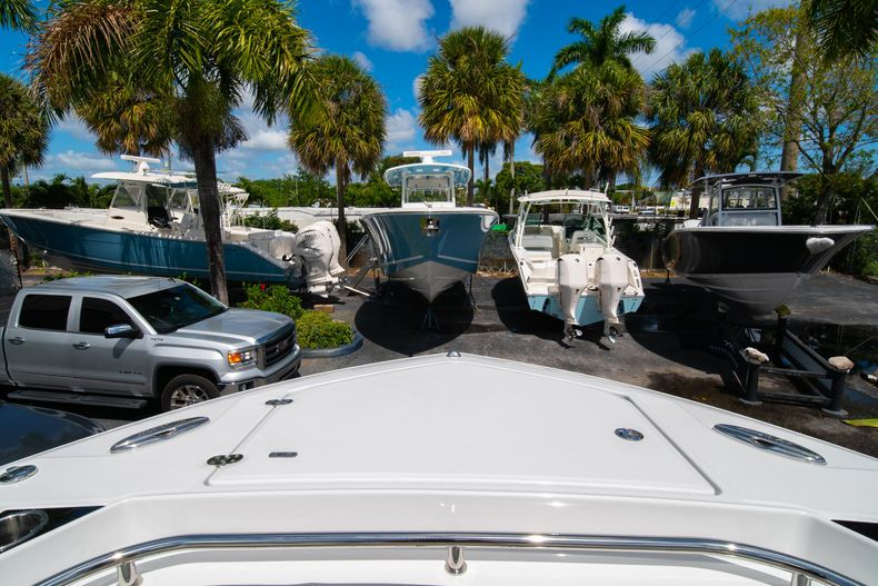 Thumbnail 62 for New 2020 Blackfin 332CC boat for sale in West Palm Beach, FL