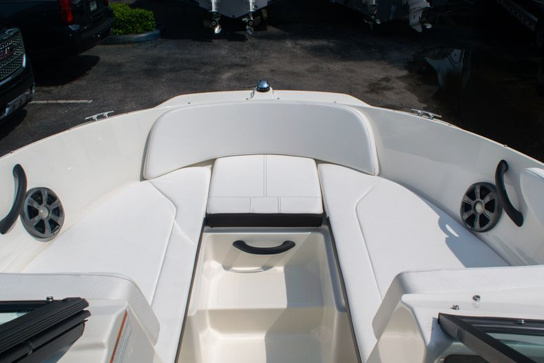 Thumbnail 27 for Used 2019 Sea Ray SPX 210 OB boat for sale in West Palm Beach, FL
