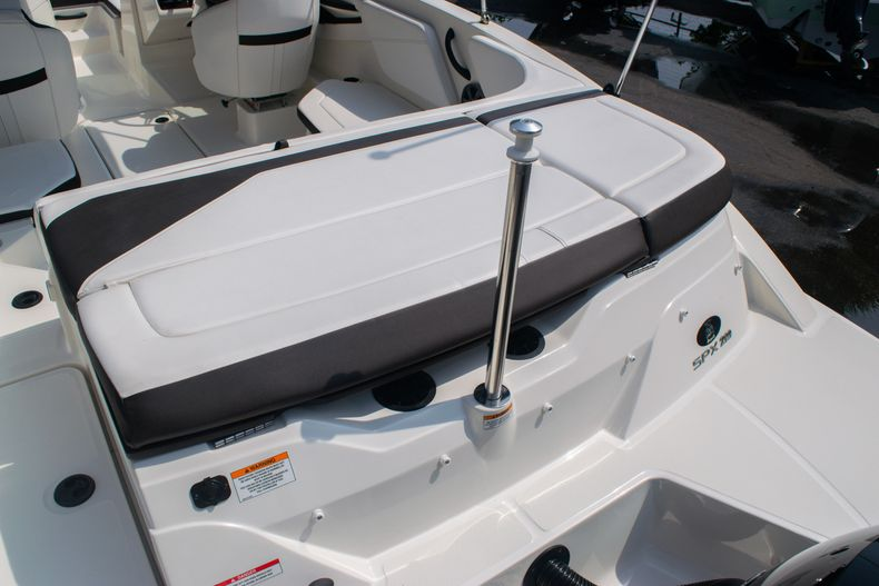Thumbnail 8 for Used 2019 Sea Ray SPX 210 OB boat for sale in West Palm Beach, FL