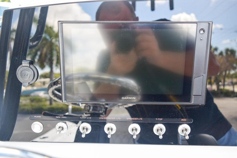 Thumbnail 36 for New 2020 Sportsman Masters 227 Bay Boat boat for sale in West Palm Beach, FL