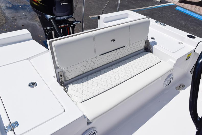 Thumbnail 14 for New 2020 Sportsman Masters 227 Bay Boat boat for sale in West Palm Beach, FL