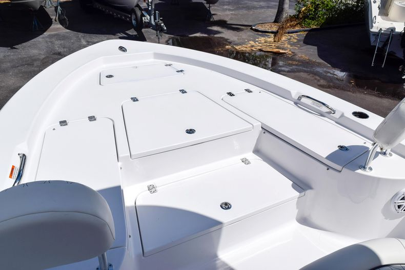Thumbnail 52 for New 2020 Sportsman Masters 227 Bay Boat boat for sale in West Palm Beach, FL