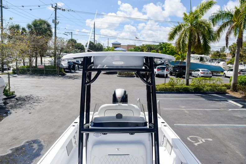 Thumbnail 58 for New 2020 Sportsman Masters 227 Bay Boat boat for sale in West Palm Beach, FL