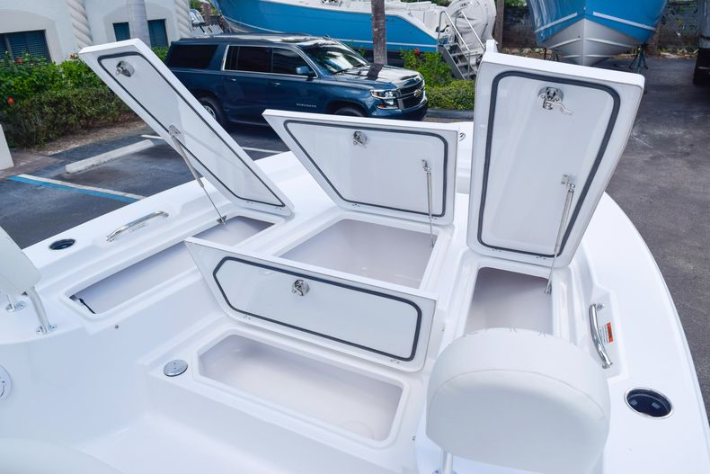 Thumbnail 54 for New 2020 Sportsman Masters 227 Bay Boat boat for sale in West Palm Beach, FL