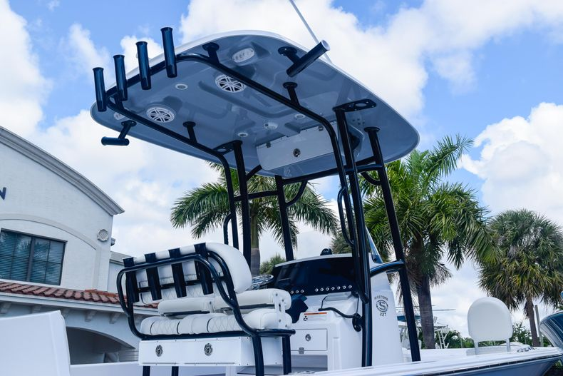 Thumbnail 8 for New 2020 Sportsman Masters 227 Bay Boat boat for sale in West Palm Beach, FL