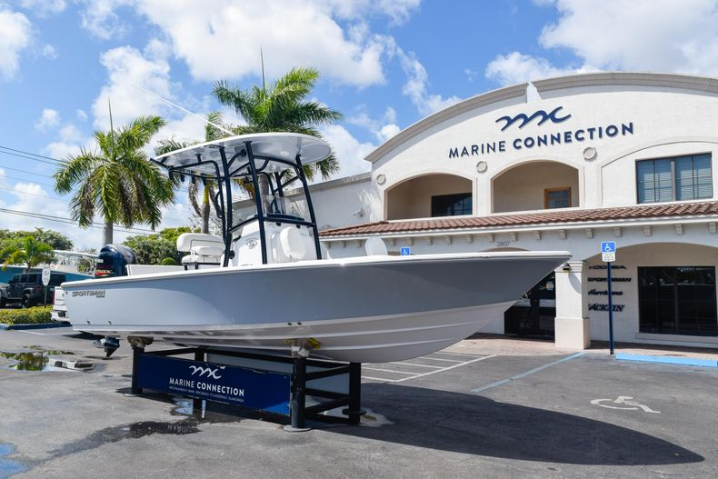 Thumbnail 1 for New 2020 Sportsman Masters 227 Bay Boat boat for sale in West Palm Beach, FL