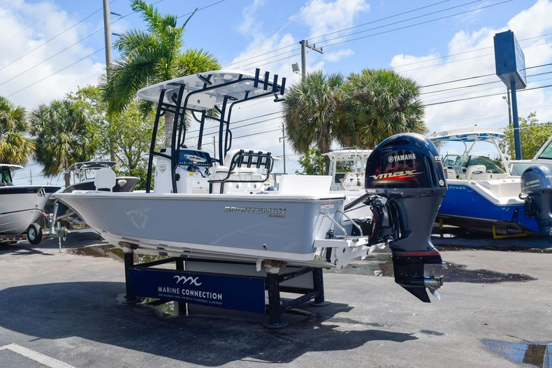 Thumbnail 5 for New 2020 Sportsman Masters 227 Bay Boat boat for sale in West Palm Beach, FL