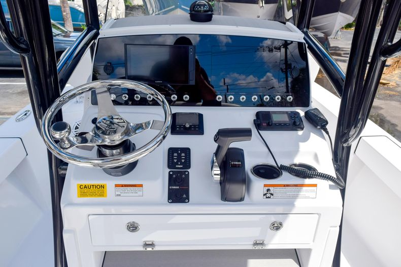 Thumbnail 31 for New 2020 Sportsman Masters 227 Bay Boat boat for sale in West Palm Beach, FL