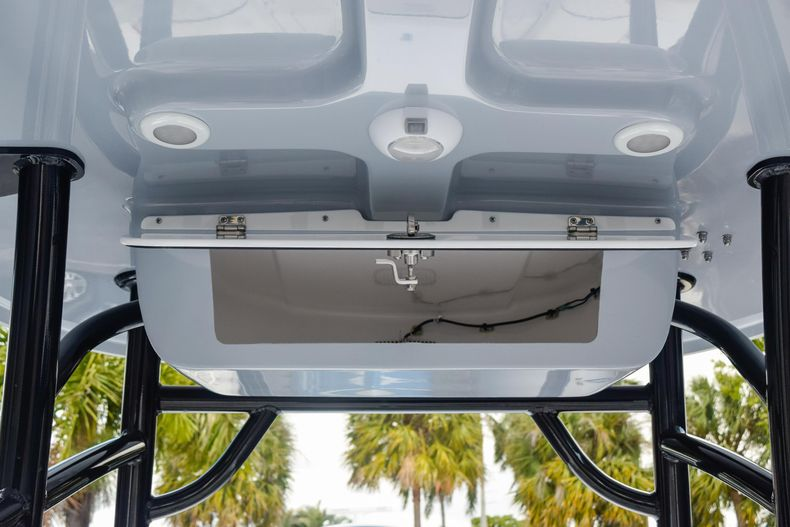 Thumbnail 30 for New 2020 Sportsman Masters 227 Bay Boat boat for sale in West Palm Beach, FL