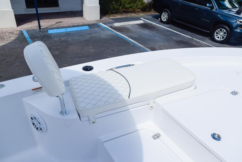 Thumbnail 49 for New 2020 Sportsman Masters 227 Bay Boat boat for sale in West Palm Beach, FL