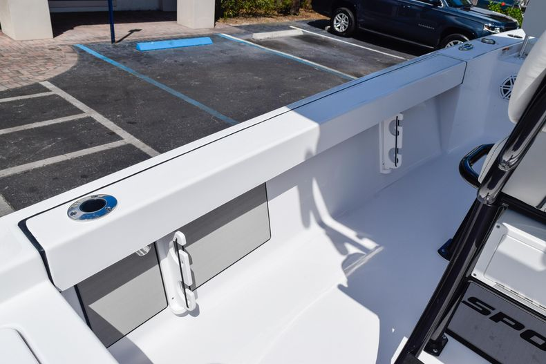 Thumbnail 24 for New 2020 Sportsman Masters 227 Bay Boat boat for sale in West Palm Beach, FL