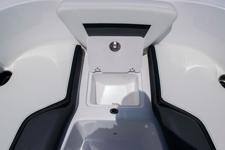Thumbnail 38 for New 2020 Hurricane SPD210-OB boat for sale in West Palm Beach, FL