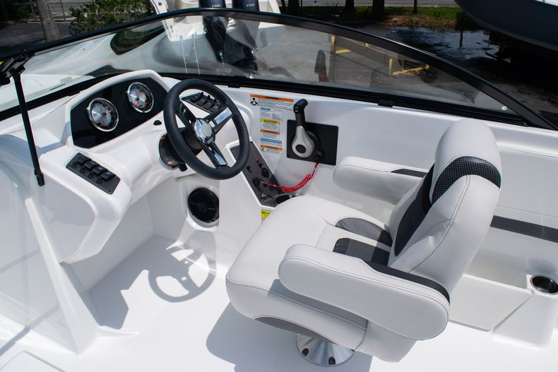 Thumbnail 23 for New 2020 Hurricane SPD210-OB boat for sale in West Palm Beach, FL