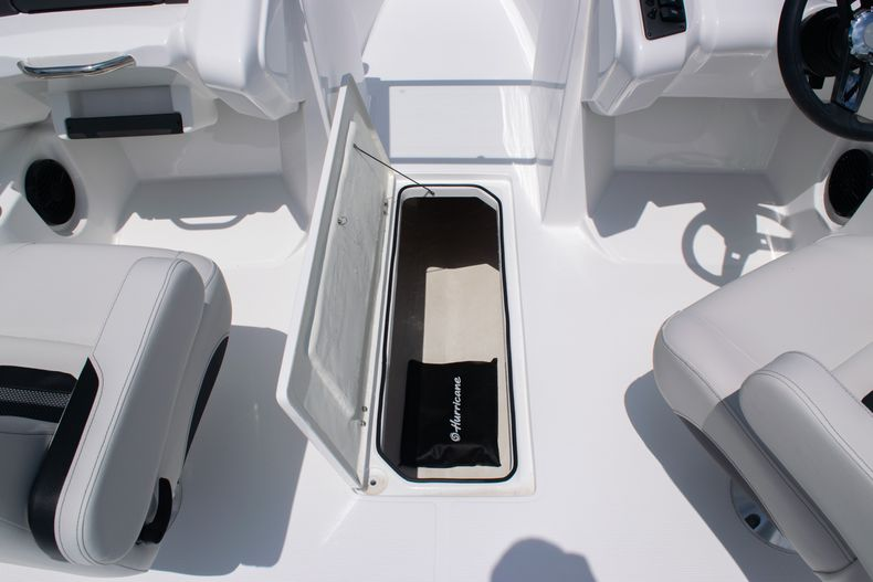 Thumbnail 31 for New 2020 Hurricane SPD210-OB boat for sale in West Palm Beach, FL