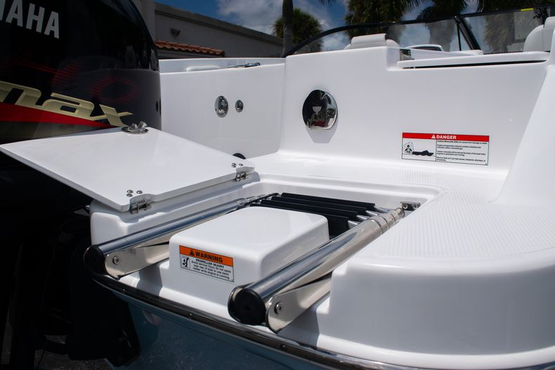 Thumbnail 11 for New 2020 Hurricane SPD210-OB boat for sale in West Palm Beach, FL