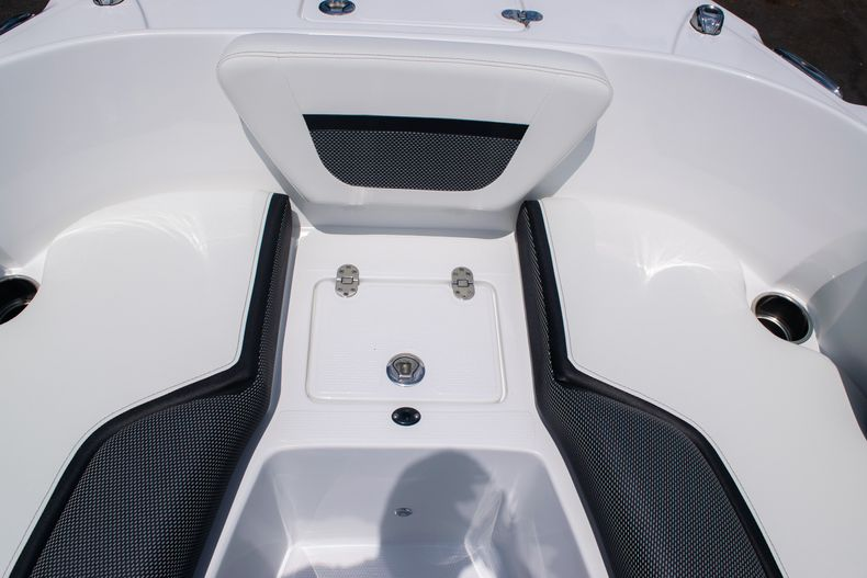 Thumbnail 37 for New 2020 Hurricane SPD210-OB boat for sale in West Palm Beach, FL