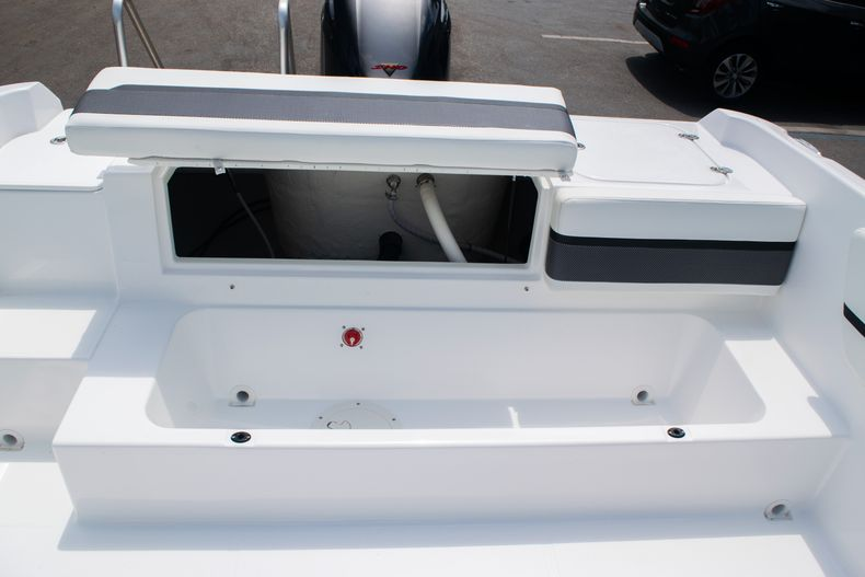 Thumbnail 18 for New 2020 Hurricane SPD210-OB boat for sale in West Palm Beach, FL