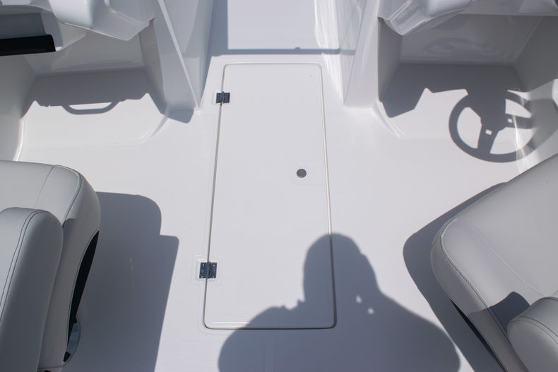 Thumbnail 30 for New 2020 Hurricane SPD210-OB boat for sale in West Palm Beach, FL