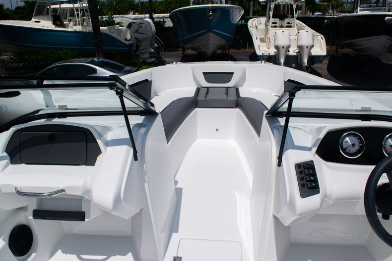 Thumbnail 32 for New 2020 Hurricane SPD210-OB boat for sale in West Palm Beach, FL