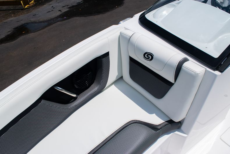 Thumbnail 36 for New 2020 Hurricane SPD210-OB boat for sale in West Palm Beach, FL