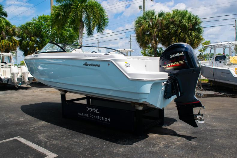 Thumbnail 5 for New 2020 Hurricane SPD210-OB boat for sale in West Palm Beach, FL