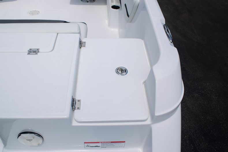 Thumbnail 12 for New 2020 Hurricane SPD210-OB boat for sale in West Palm Beach, FL