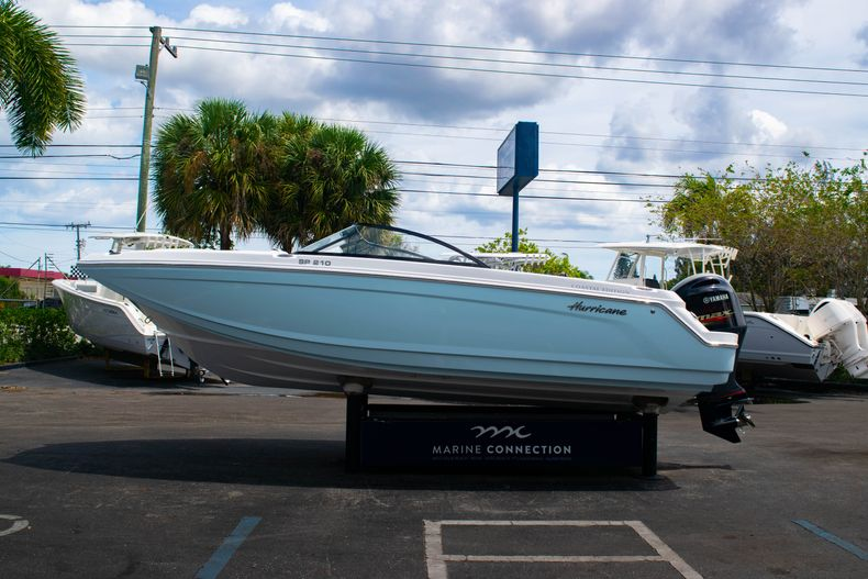 Thumbnail 4 for New 2020 Hurricane SPD210-OB boat for sale in West Palm Beach, FL