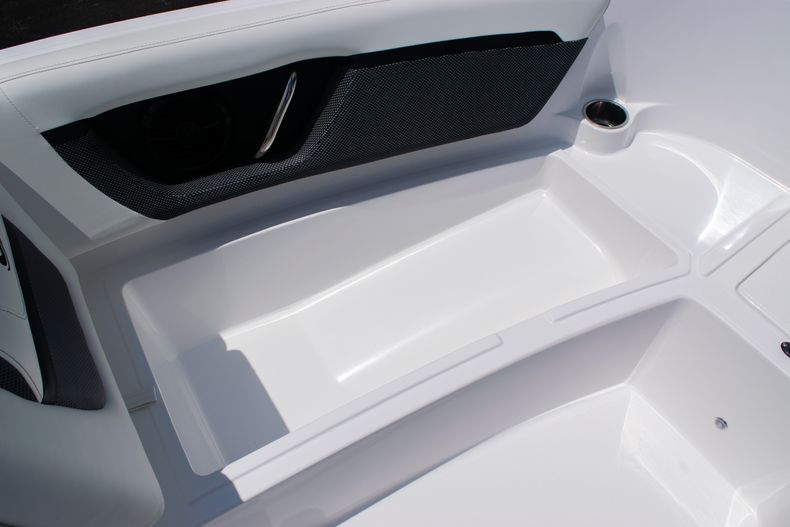 Thumbnail 39 for New 2020 Hurricane SPD210-OB boat for sale in West Palm Beach, FL