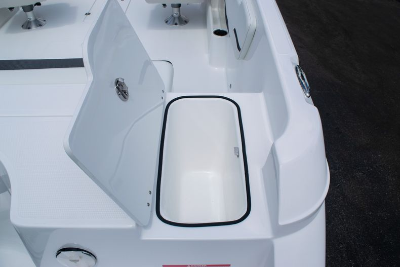 Thumbnail 13 for New 2020 Hurricane SPD210-OB boat for sale in West Palm Beach, FL