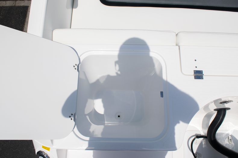 Thumbnail 15 for New 2020 Hurricane SPD210-OB boat for sale in West Palm Beach, FL