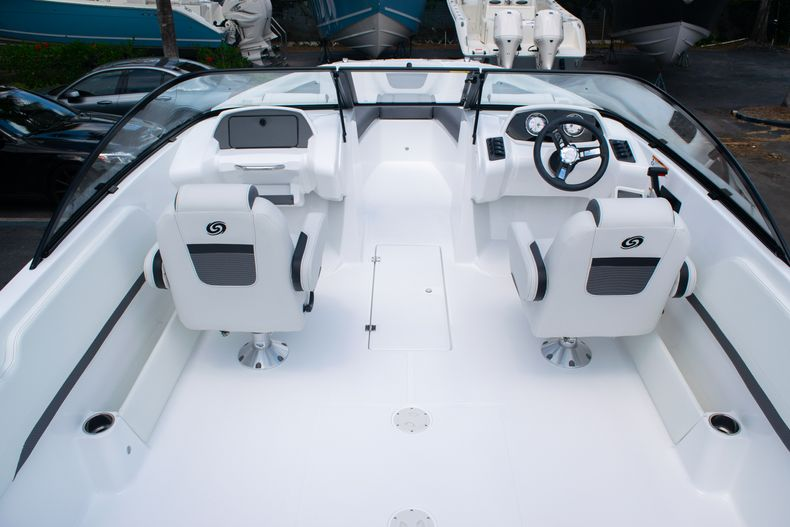 Thumbnail 16 for New 2020 Hurricane SPD210-OB boat for sale in West Palm Beach, FL