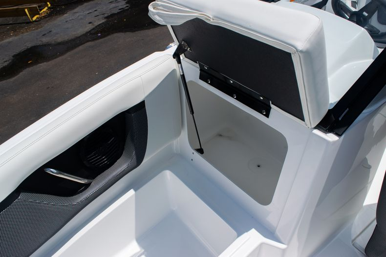 Thumbnail 41 for New 2020 Hurricane SPD210-OB boat for sale in West Palm Beach, FL