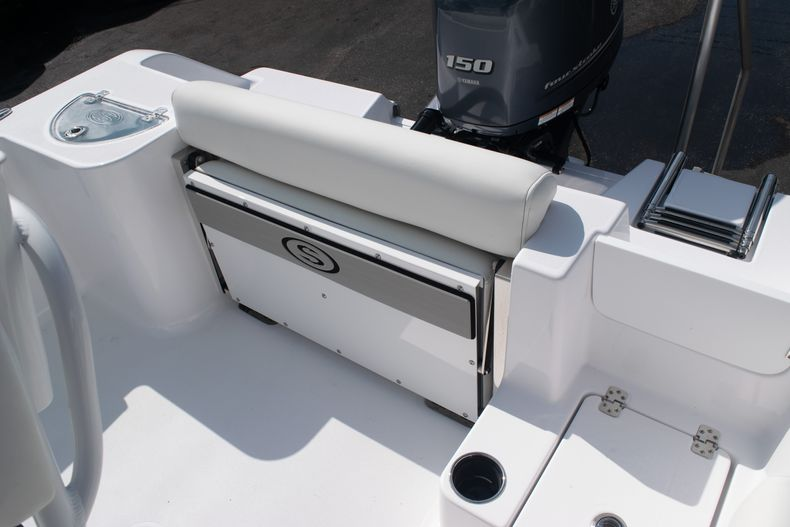 Thumbnail 12 for New 2020 Sportsman Open 212 Center Console boat for sale in West Palm Beach, FL