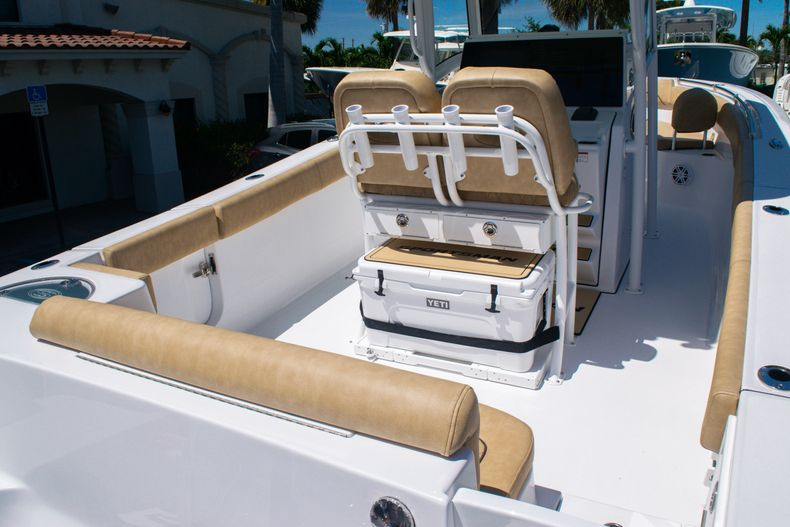 Thumbnail 9 for New 2020 Sportsman Heritage 251 Center Console boat for sale in West Palm Beach, FL