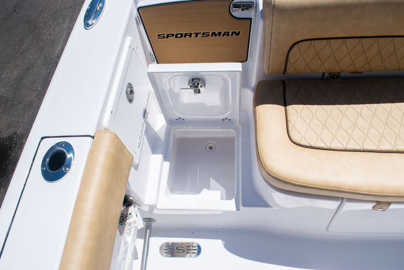 Thumbnail 11 for New 2020 Sportsman Heritage 251 Center Console boat for sale in West Palm Beach, FL