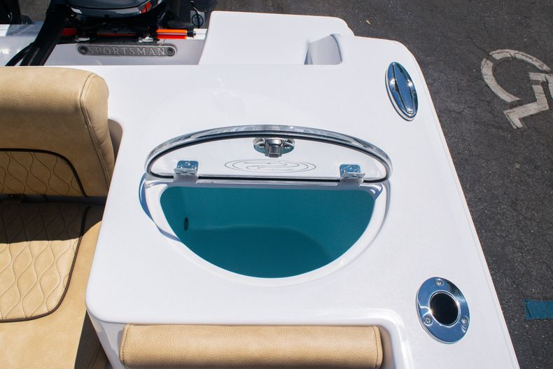 Thumbnail 16 for New 2020 Sportsman Heritage 251 Center Console boat for sale in West Palm Beach, FL