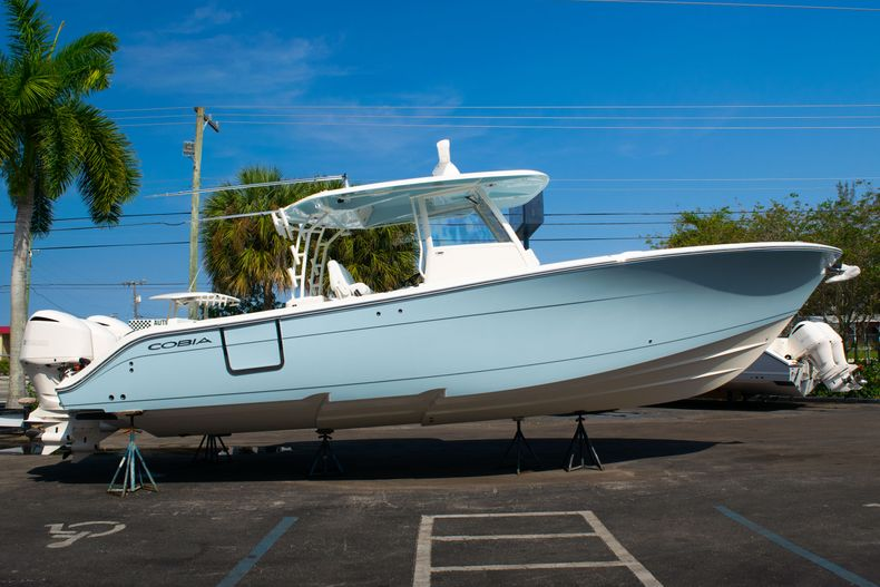 Thumbnail 4 for New 2020 Cobia 350 CC Center Console boat for sale in West Palm Beach, FL
