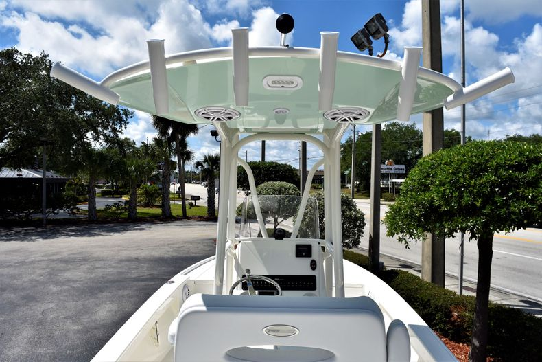 Thumbnail 9 for New 2020 Pathfinder 2500 Hybrid Bay Boat boat for sale in Vero Beach, FL