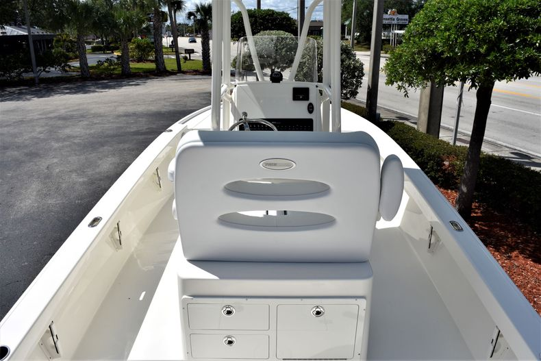 Thumbnail 8 for New 2020 Pathfinder 2500 Hybrid Bay Boat boat for sale in Vero Beach, FL