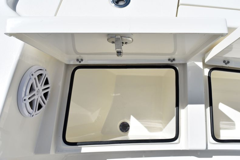 Thumbnail 15 for New 2020 Pathfinder 2500 Hybrid Bay Boat boat for sale in Vero Beach, FL