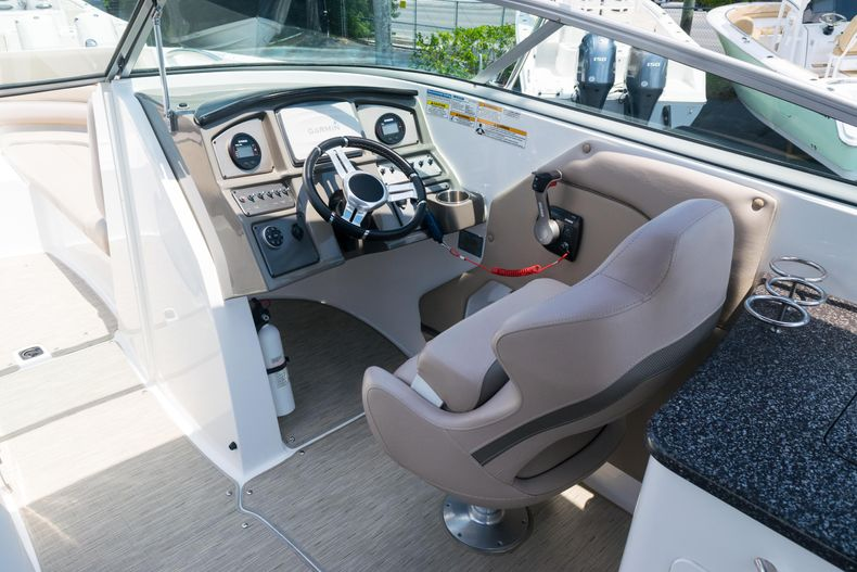 Thumbnail 19 for Used 2015 Hurricane SunDeck SD 2690 OB boat for sale in West Palm Beach, FL