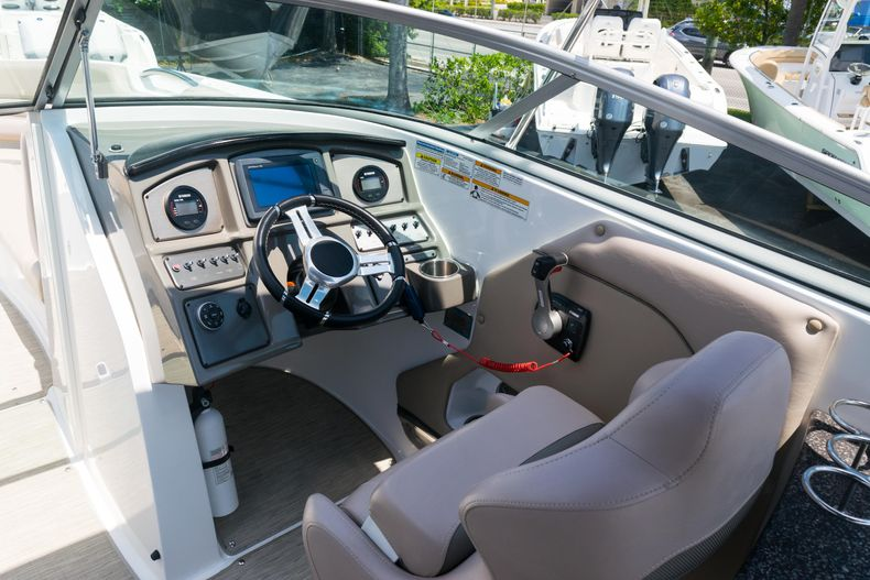 Thumbnail 20 for Used 2015 Hurricane SunDeck SD 2690 OB boat for sale in West Palm Beach, FL