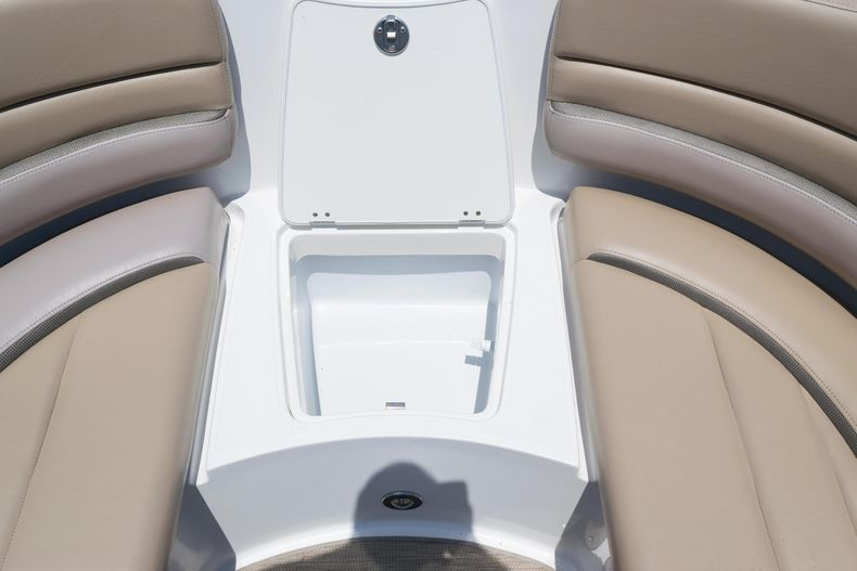 Thumbnail 48 for Used 2015 Hurricane SunDeck SD 2690 OB boat for sale in West Palm Beach, FL